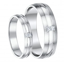 His & Hers 4&6mm 9ct Gold Princess Cut diamond Wedding Rings