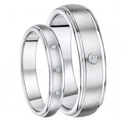 His & Hers 4&6mm Titanium Diamond Wedding Ring Set